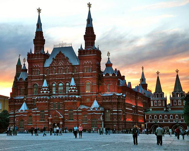 12 of the best free european attractions bootsnall for Famous landmarks in russia