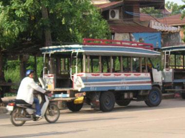songthaew-thailand