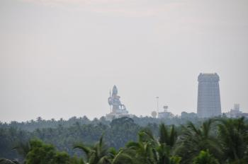 The statue of Lord Shiva (123 feet high) as seen from the train. (MRandin)