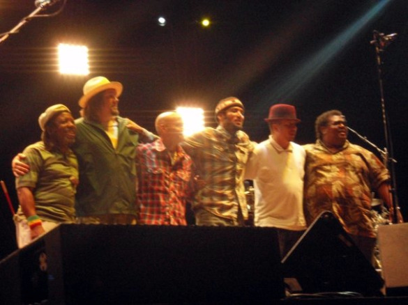 Leon with Ben Harper and the Innocent Criminals