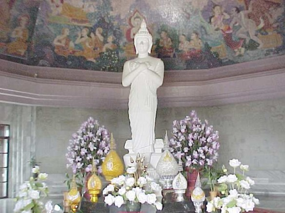 Buddha image in the Queen's chedi