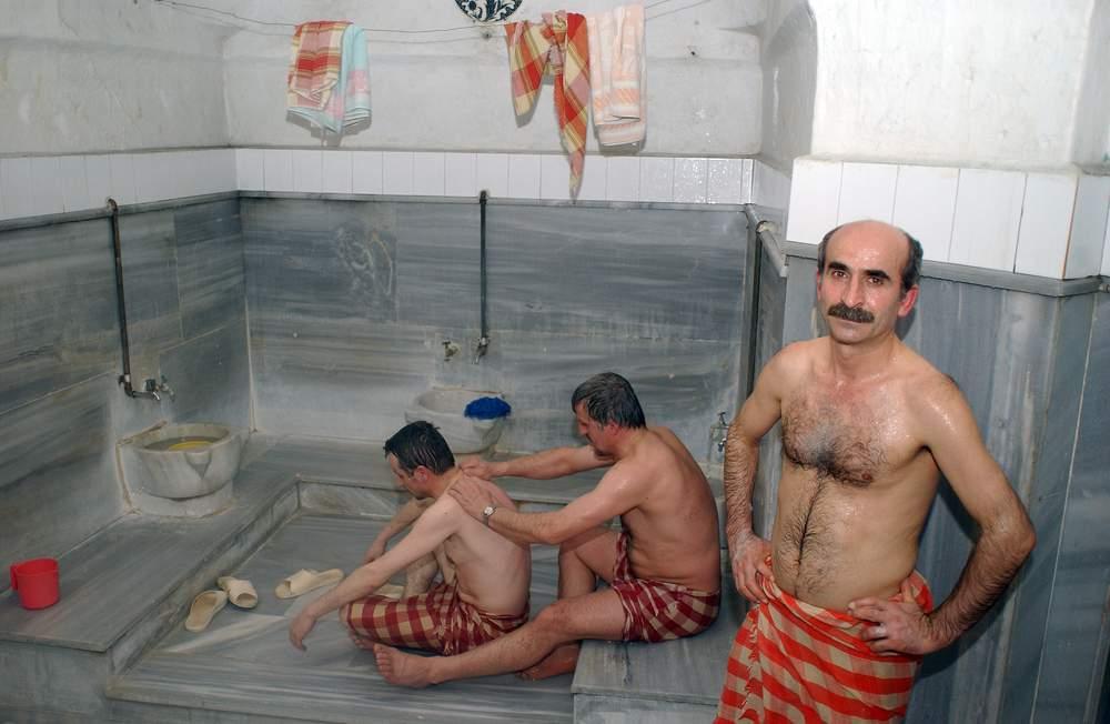 Naked guy friend bathroom