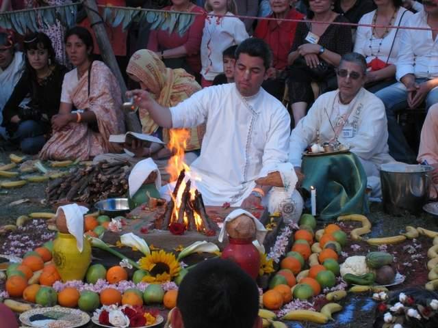 02 Wedding at Hare Krishna Festival