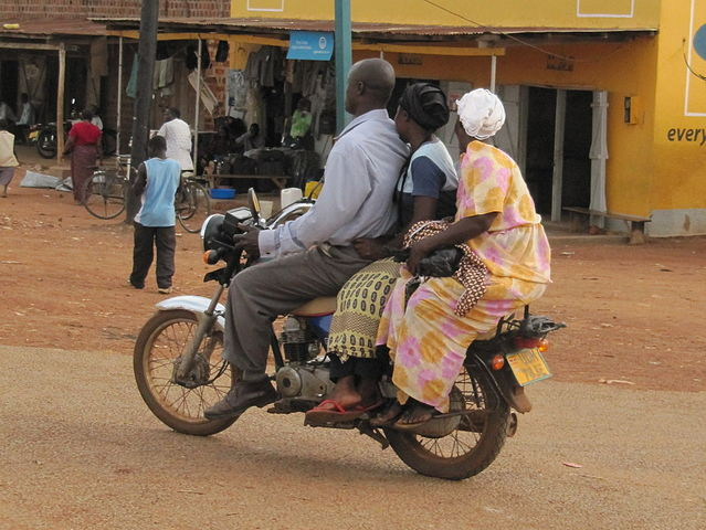 Hitchhikers By Side Of Road >> 12 Tips for Surviving Public Transportation in a Developing Country | BootsnAll