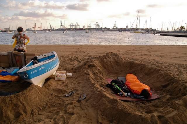 Sleeping on the beach in Las Palmas 2