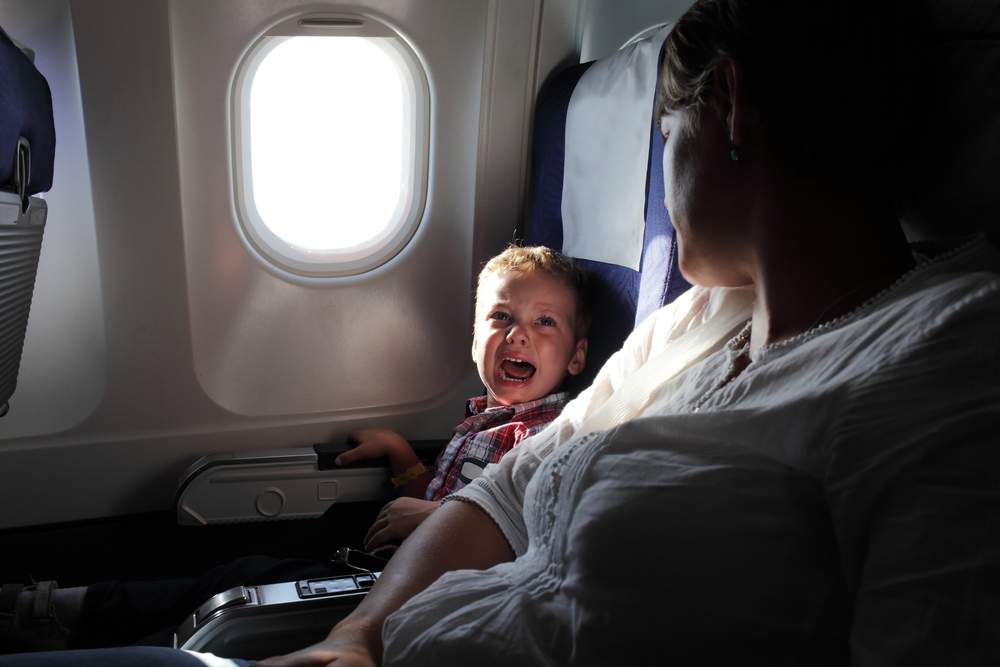 kids fly-crying