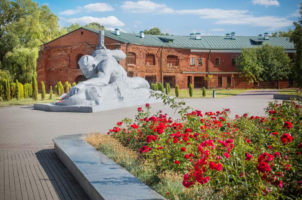 monument to fallen soldiers Brest Fortress, Belarus