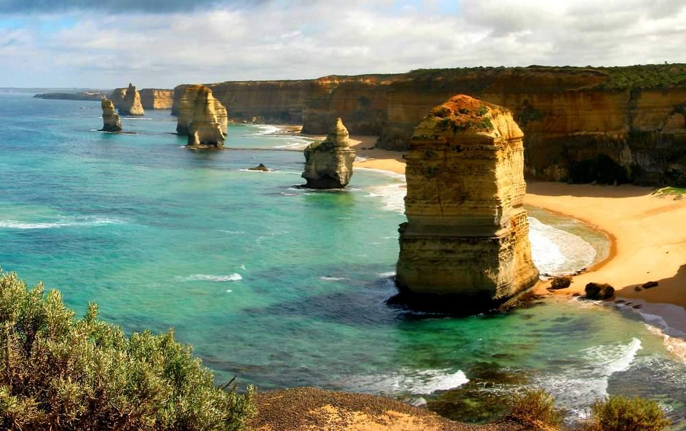 12 apostles rocks in Australia