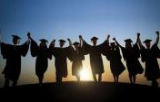 Why Recent College Grads Should Take Time to Travel