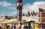 A Simple Formula for the Solo Traveler in England – Weymouth, England