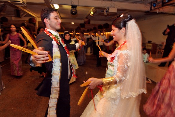 10 Wedding Traditions From Around The World One: 10 Unique Wedding Ceremonies Around The World